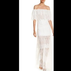 NWT L'ATISTE OFF TIERED LACE SHOULDER MAXI SZ S
